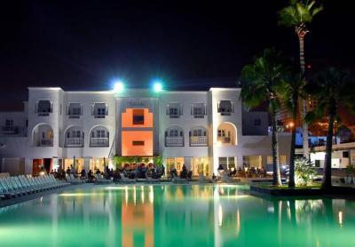 HotelDECAMERON9