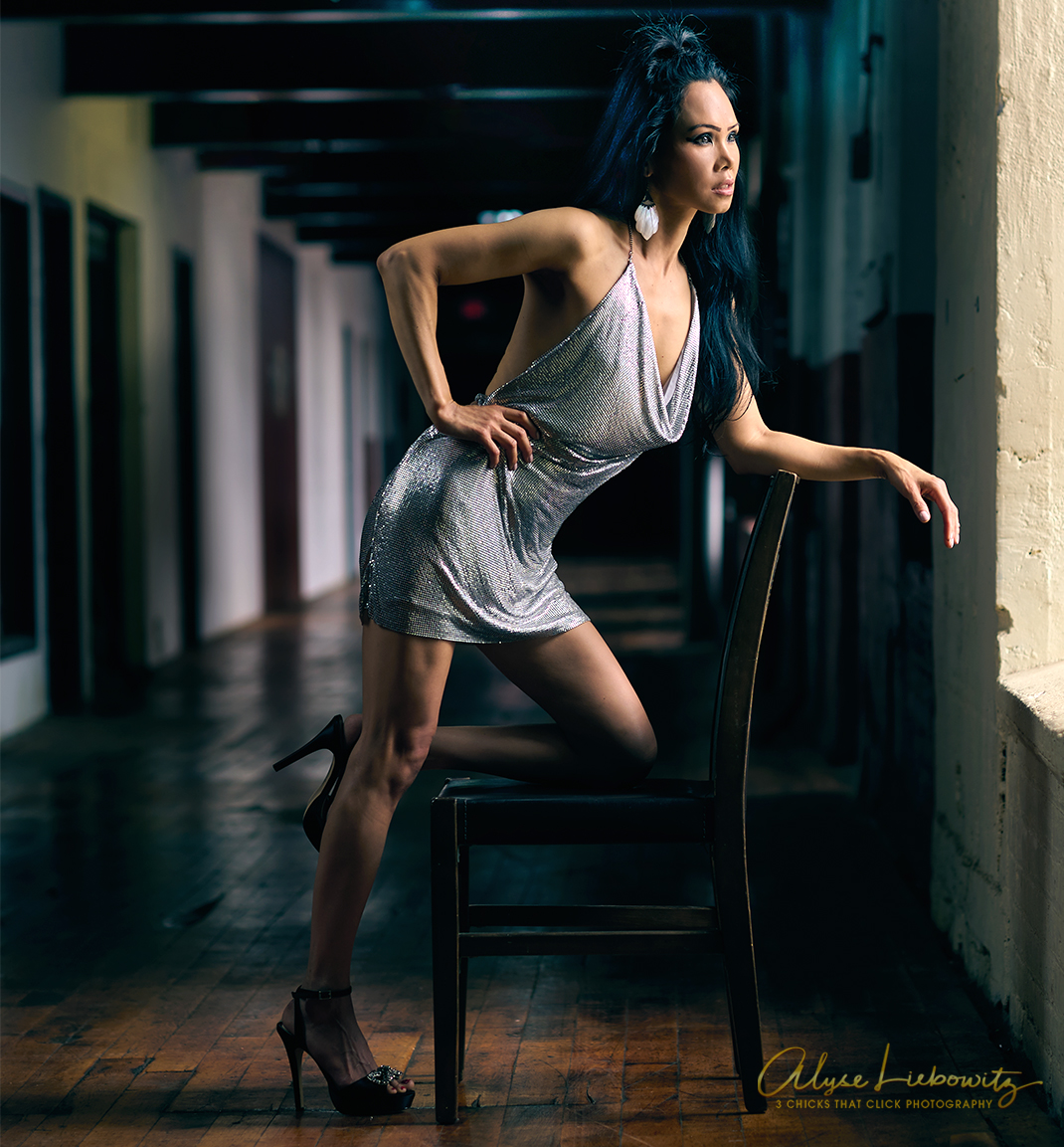 Model Trinh, Photographed at The Art