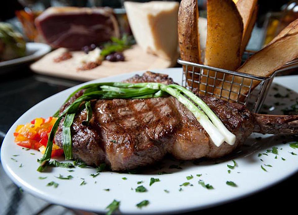 Brando's Signature Porterhouse Steak