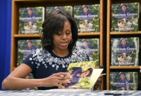 Michelle Obama book signing9