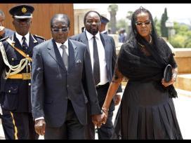 Mandela Lies In State65