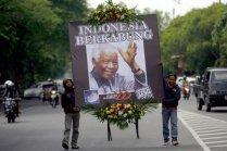Mandela Mourned8
