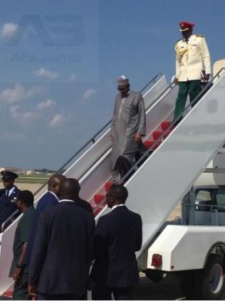 Buhari arrives in America 37