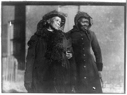 1916 slave convention-Two elderly convention attendees in 1916 (Library of Congress)
