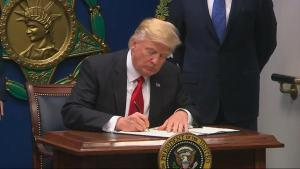 trump-signs-muslim-bans