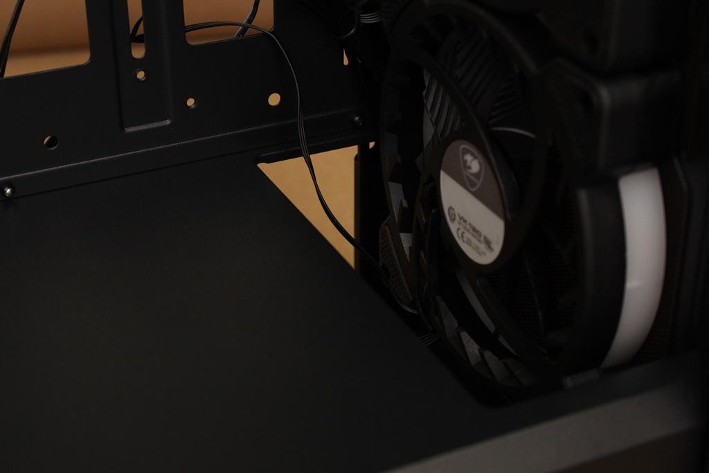 美洲獅COUGAR DarkBlader X5 RGB中塔機殼-低調內斂的視覺燈效,...830