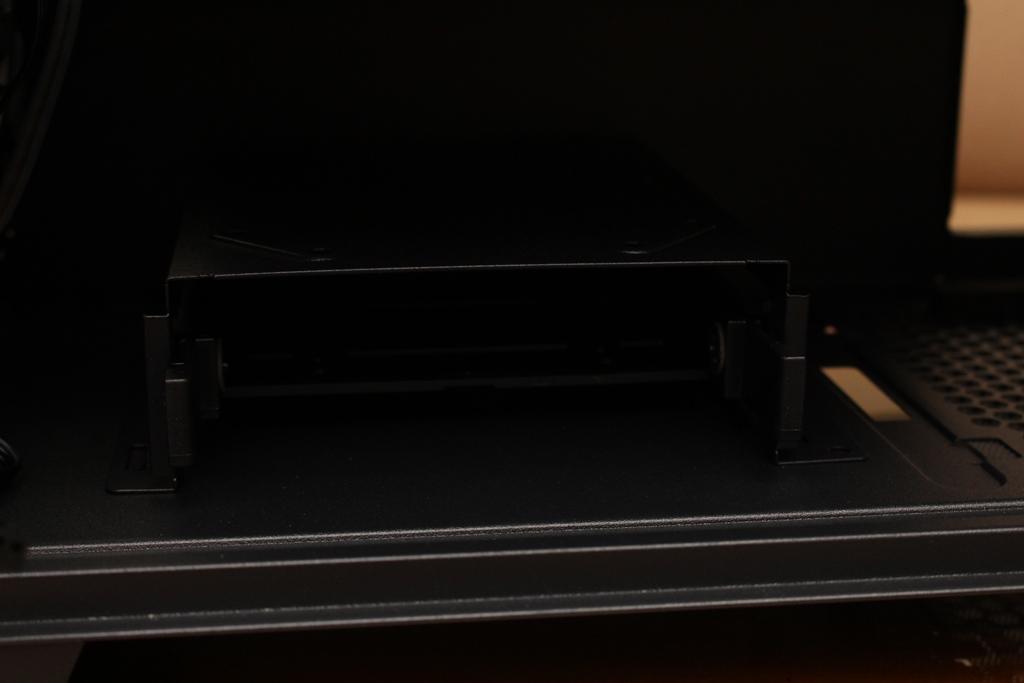 美洲獅COUGAR DarkBlader X5 RGB中塔機殼-低調內斂的視覺燈效,...8407