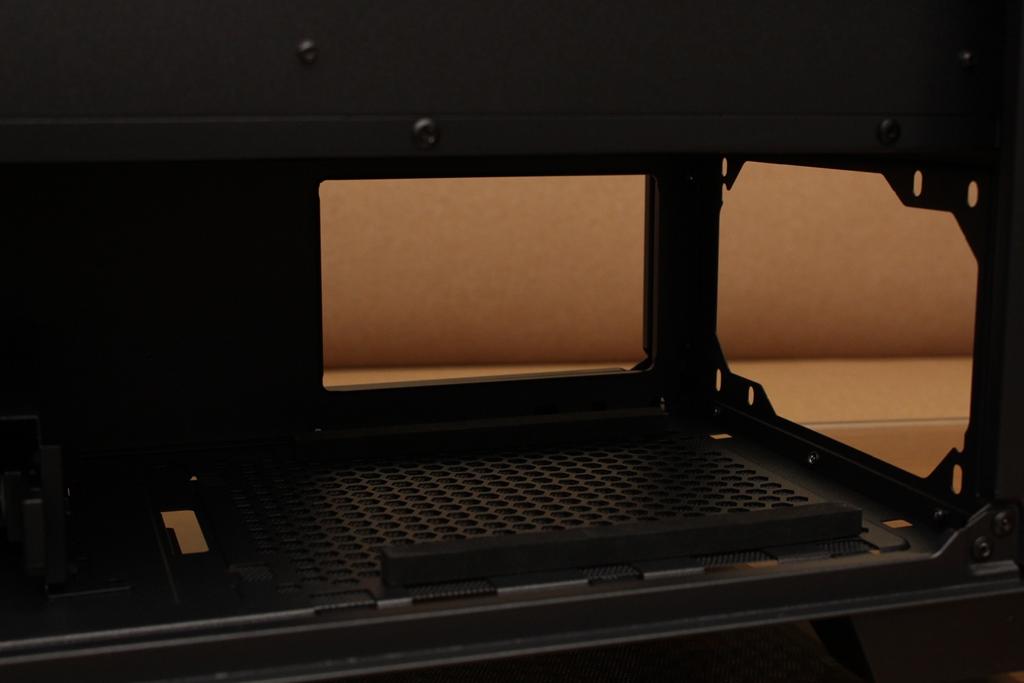 美洲獅COUGAR DarkBlader X5 RGB中塔機殼-低調內斂的視覺燈效,...203