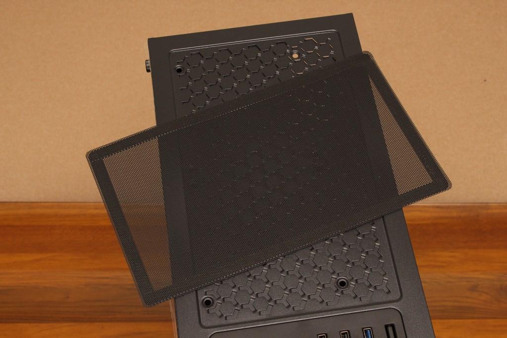 亞碩Power Master G9 IRON MAN鋼鐵人RGB機殼-搭載獨特鏡面發光燈效與鋼化玻璃側板,平價機殼再添一枚生力軍 - 16