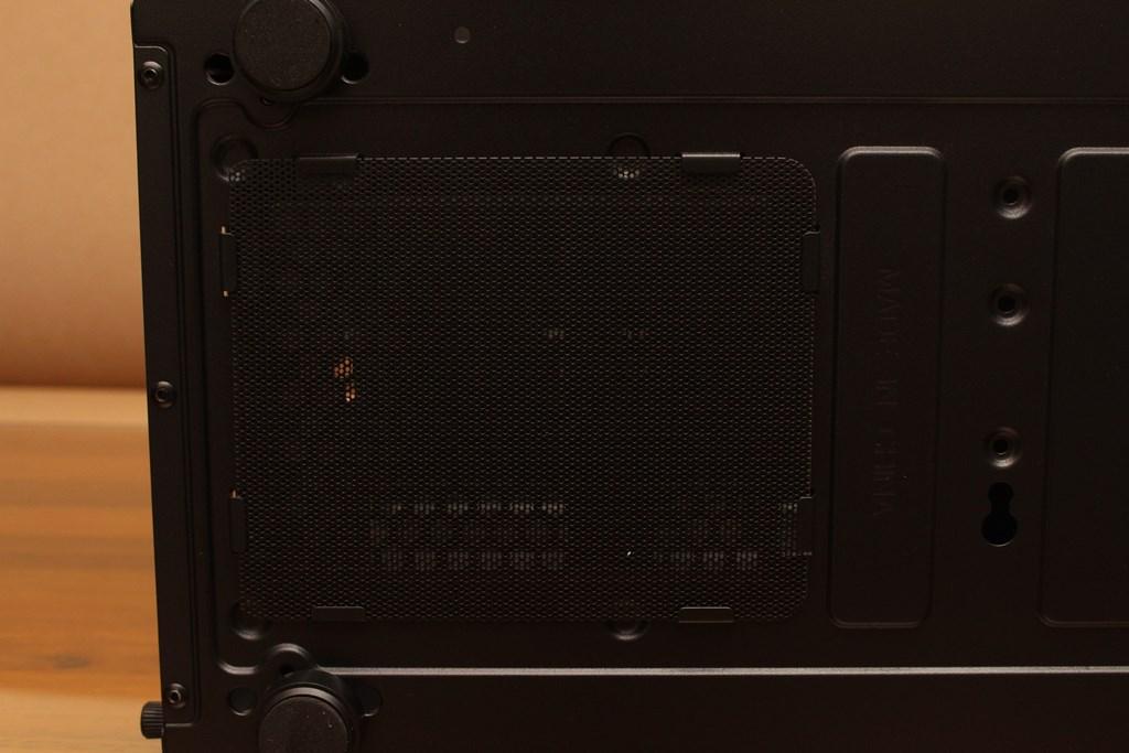 亞碩Power Master G9 IRON MAN鋼鐵人RGB機殼-搭載獨特鏡面發光燈效與鋼化玻璃側板,平價機殼再添一枚生力軍 - 24