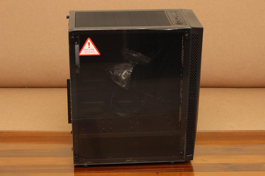亞碩Power Master G9 IRON MAN鋼鐵人RGB機殼-搭載獨特鏡面發光燈效與鋼化玻璃側板,平價機殼再添一枚生力軍 - 26