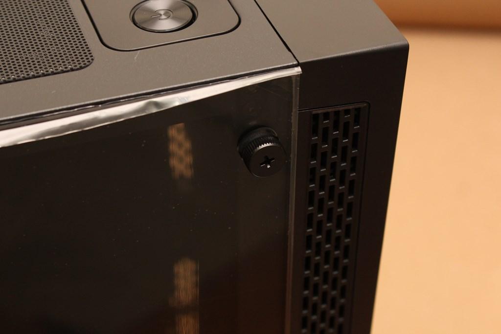 亞碩Power Master G9 IRON MAN鋼鐵人RGB機殼-搭載獨特鏡面發光燈效與鋼化玻璃側板,平價機殼再添一枚生力軍 - 28