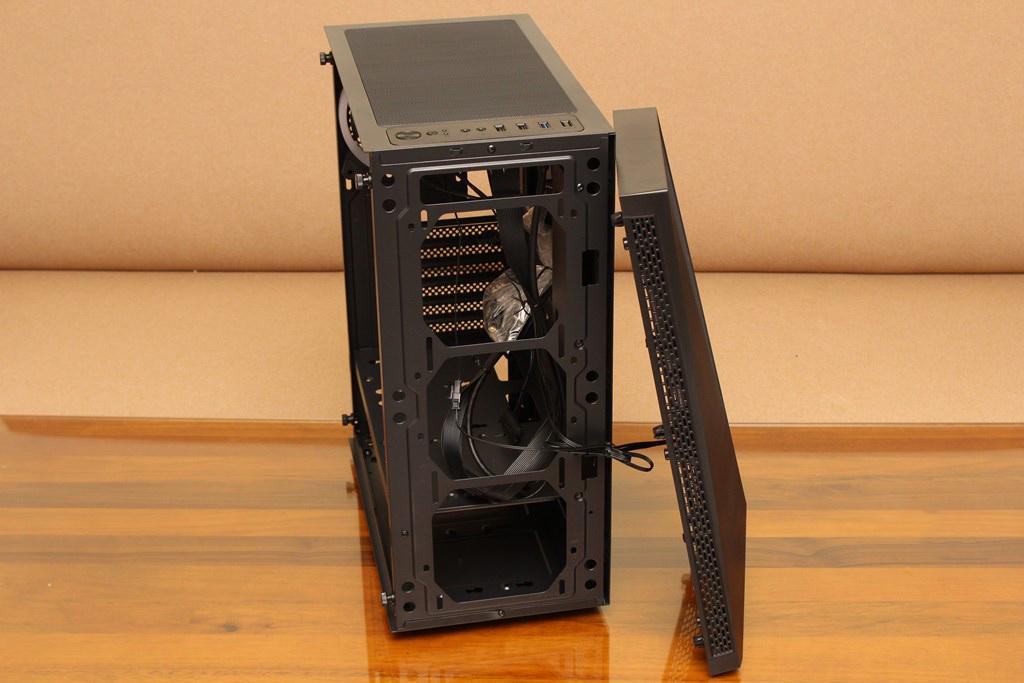 亞碩Power Master G9 IRON MAN鋼鐵人RGB機殼-搭載獨特鏡面發光燈效與鋼化玻璃側板,平價機殼再添一枚生力軍 - 11