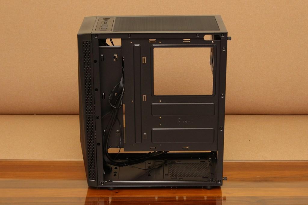 亞碩Power Master G9 IRON MAN鋼鐵人RGB機殼-搭載獨特鏡面發光燈效與鋼化玻璃側板,平價機殼再添一枚生力軍 - 31