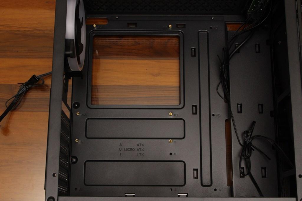 亞碩Power Master G9 IRON MAN鋼鐵人RGB機殼-搭載獨特鏡面發光燈效與鋼化玻璃側板,平價機殼再添一枚生力軍 - 32