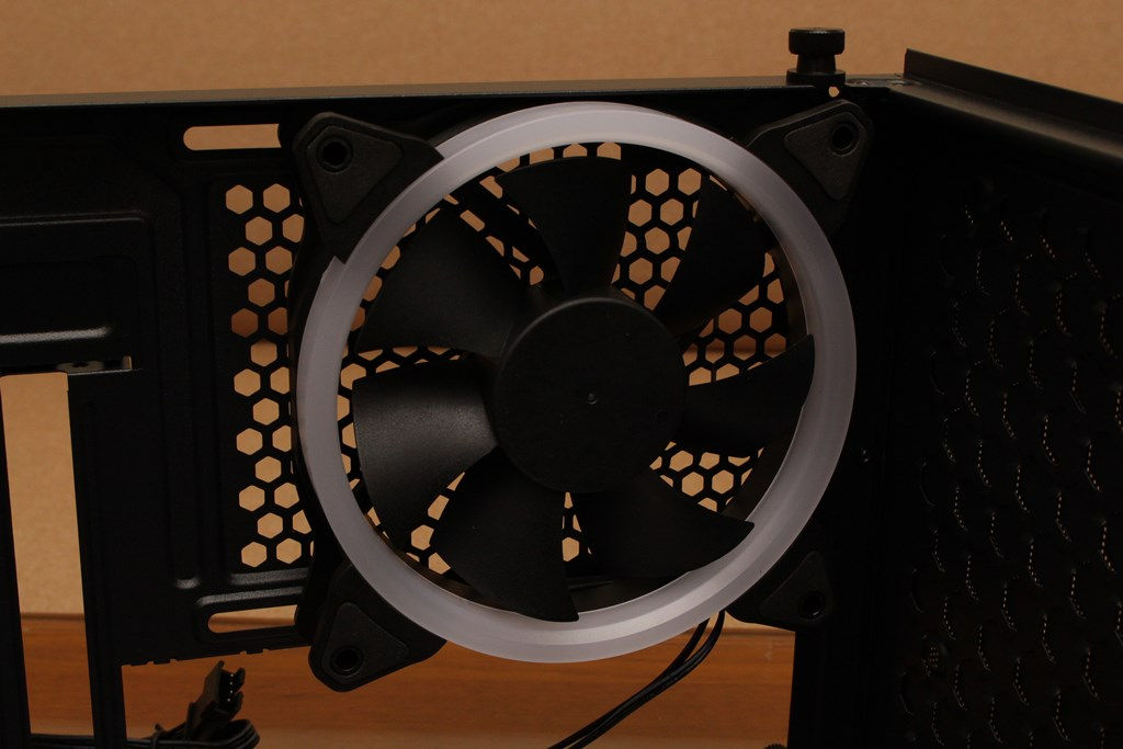 亞碩Power Master G9 IRON MAN鋼鐵人RGB機殼-搭載獨特鏡面發光燈效與鋼化玻璃側板,平價機殼再添一枚生力軍 - 35
