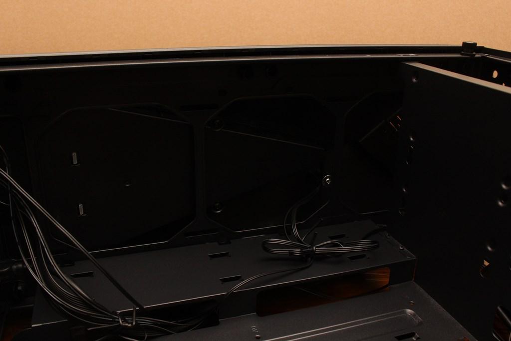 亞碩Power Master G9 IRON MAN鋼鐵人RGB機殼-搭載獨特鏡面發光燈效與鋼化玻璃側板,平價機殼再添一枚生力軍 - 37