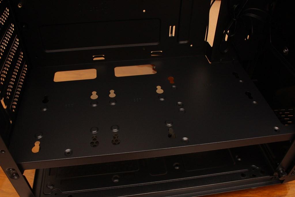 亞碩Power Master G9 IRON MAN鋼鐵人RGB機殼-搭載獨特鏡面發光燈效與鋼化玻璃側板,平價機殼再添一枚生力軍 - 38