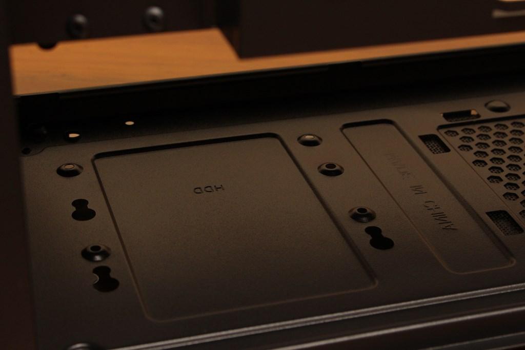 亞碩Power Master G9 IRON MAN鋼鐵人RGB機殼-搭載獨特鏡面發光燈效與鋼化玻璃側板,平價機殼再添一枚生力軍 - 40