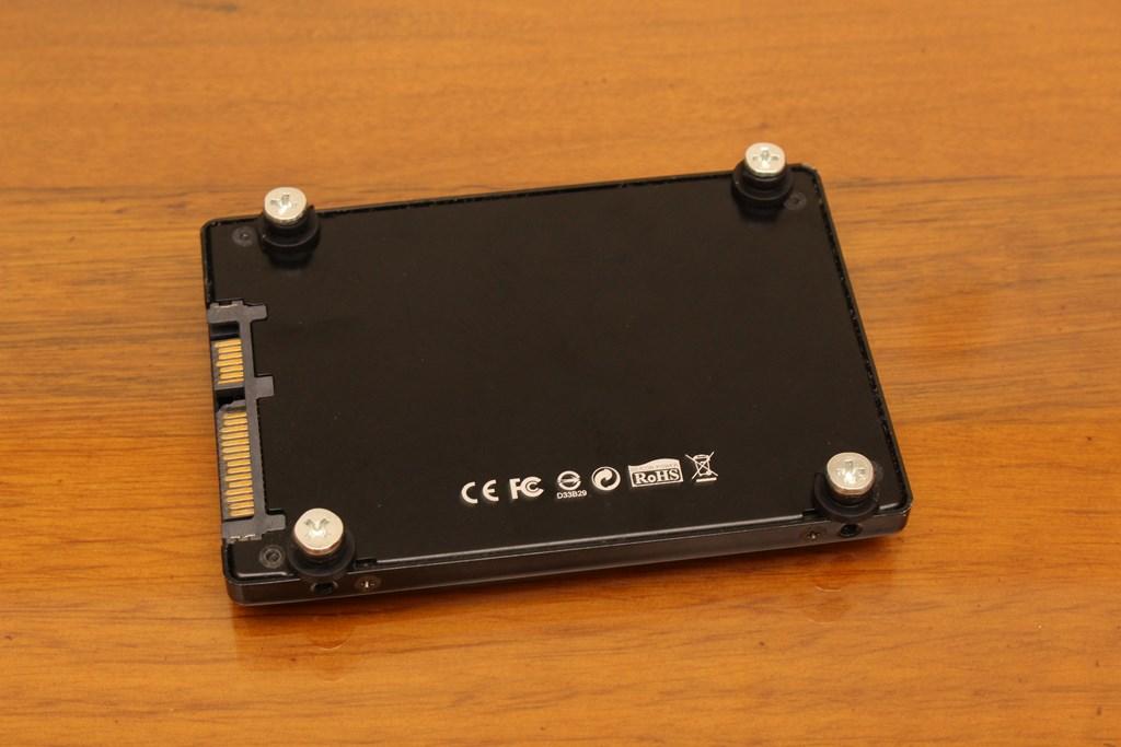 亞碩Power Master G9 IRON MAN鋼鐵人RGB機殼-搭載獨特鏡面發光燈效與鋼化玻璃側板,平價機殼再添一枚生力軍 - 41