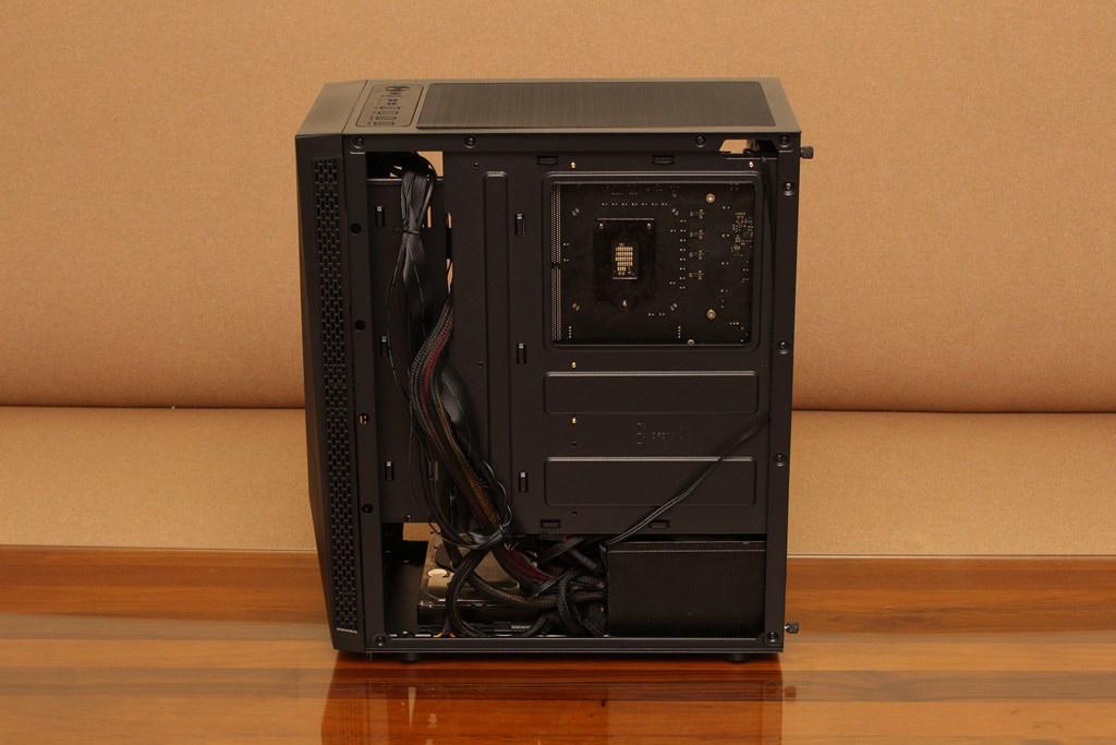 亞碩Power Master G9 IRON MAN鋼鐵人RGB機殼-搭載獨特鏡面發光燈效與鋼化玻璃側板,平價機殼再添一枚生力軍 - 46