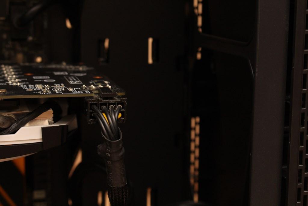 亞碩Power Master G9 IRON MAN鋼鐵人RGB機殼-搭載獨特鏡面發光燈效與鋼化玻璃側板,平價機殼再添一枚生力軍 - 47