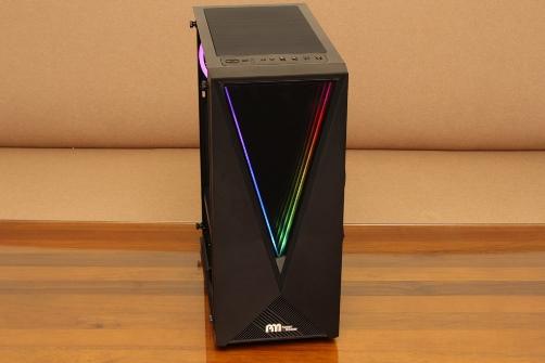 亞碩Power Master G9 IRON MAN鋼鐵人RGB機殼-搭載獨特鏡面發光燈效與鋼化玻璃側板,平價機殼再添一枚生力軍 - 1