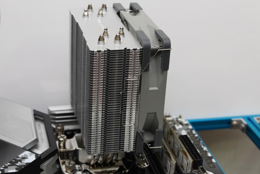 索摩樂Thermalright Assassin Spirit 120 PLUS/RGB塔型散熱器-無光害...5133