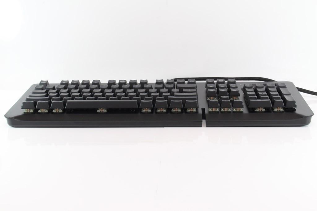 曜越Thermaltake Level 20 GT RGB機械式電競鍵盤-簡約奢華風格,質感與視覺燈效依然搶眼 - 17
