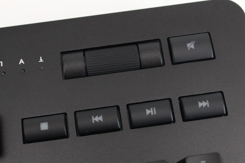 曜越Thermaltake Level 20 GT RGB機械式電競鍵盤-簡約奢華風格,質感與視覺燈效依然搶眼 - 28