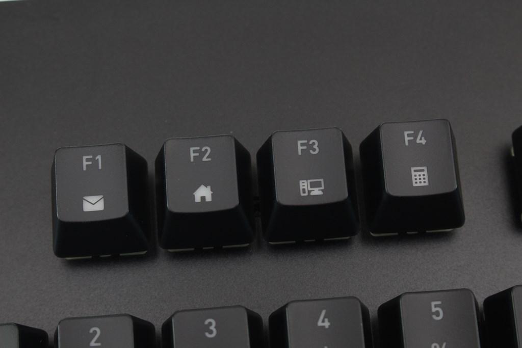 曜越Thermaltake Level 20 GT RGB機械式電競鍵盤-簡約奢華風格,質感與視覺燈效依然搶眼 - 30