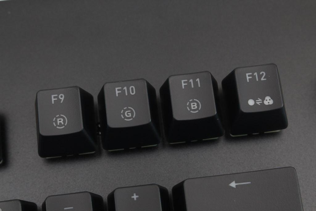 曜越Thermaltake Level 20 GT RGB機械式電競鍵盤-簡約奢華風格,質感與視覺燈效依然搶眼 - 32
