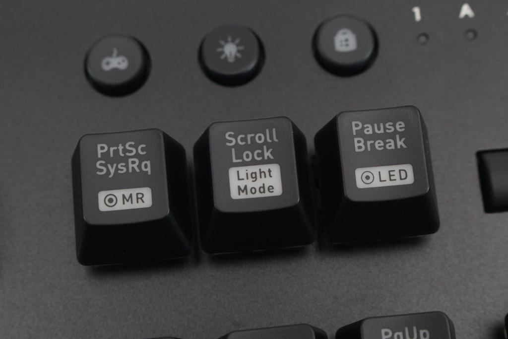 曜越Thermaltake Level 20 GT RGB機械式電競鍵盤-簡約奢華風格,質感與視覺燈效依然搶眼 - 33