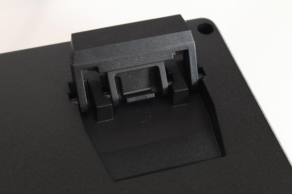 曜越Thermaltake Level 20 GT RGB機械式電競鍵盤-簡約奢華風格,質感與視覺燈效依然搶眼 - 45