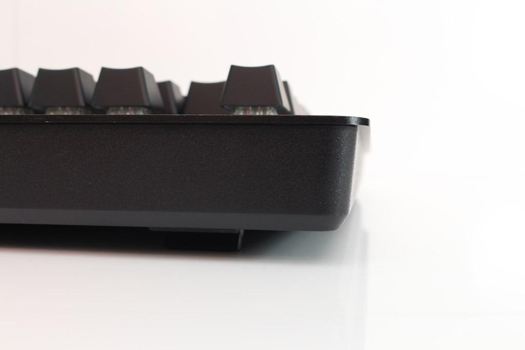 曜越Thermaltake Level 20 GT RGB機械式電競鍵盤-簡約奢華風格,質感與視覺燈效依然搶眼 - 49
