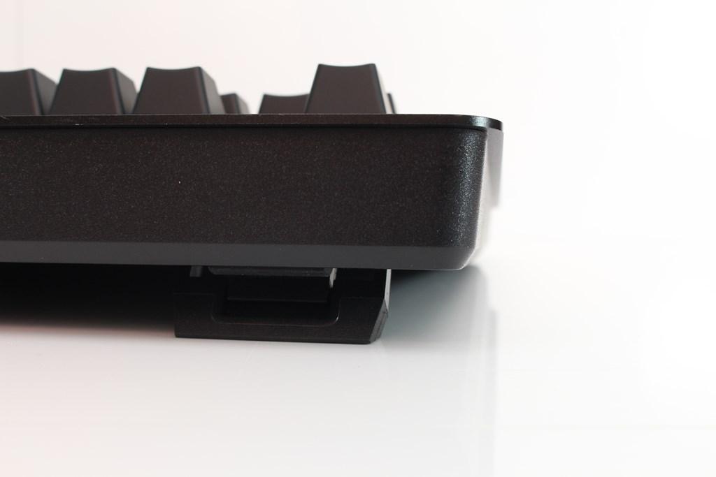 曜越Thermaltake Level 20 GT RGB機械式電競鍵盤-簡約奢華風格,質感與視覺燈效依然搶眼 - 52