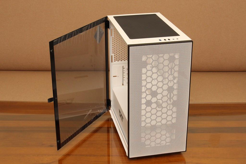 darkFlash DLM21 MESH機殼-雪白配色搭全景鋼化玻璃,mATX產品也能擁有不錯的擴充性 - 30