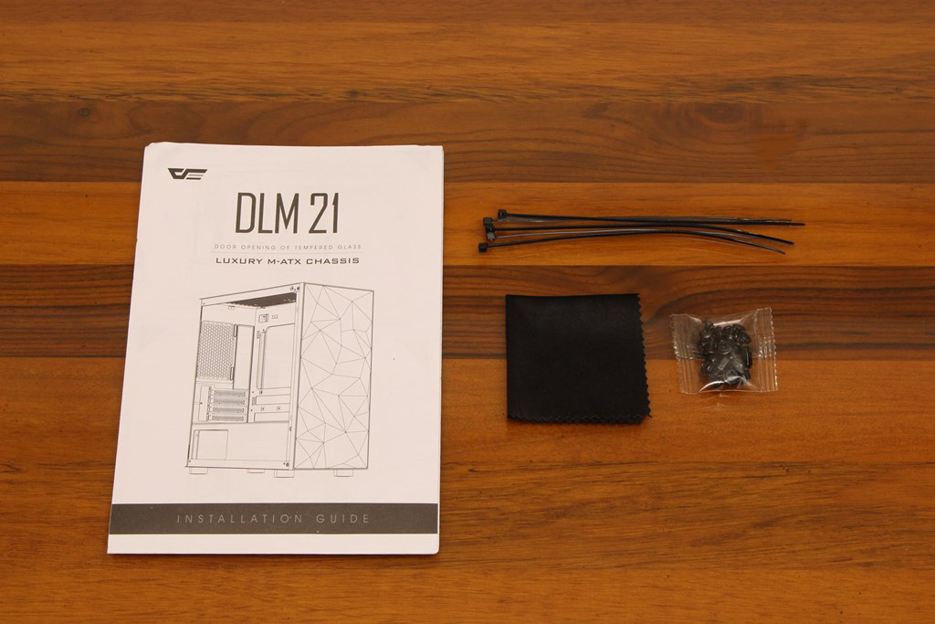 darkFlash DLM21 MESH機殼-雪白配色搭全景鋼化玻璃,mATX產品也能擁有不錯的擴充性 - 8