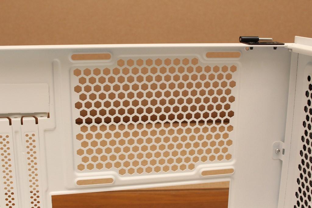 darkFlash DLM21 MESH機殼-雪白配色搭全景鋼化玻璃,mATX產品也能擁有不錯的擴充性 - 38