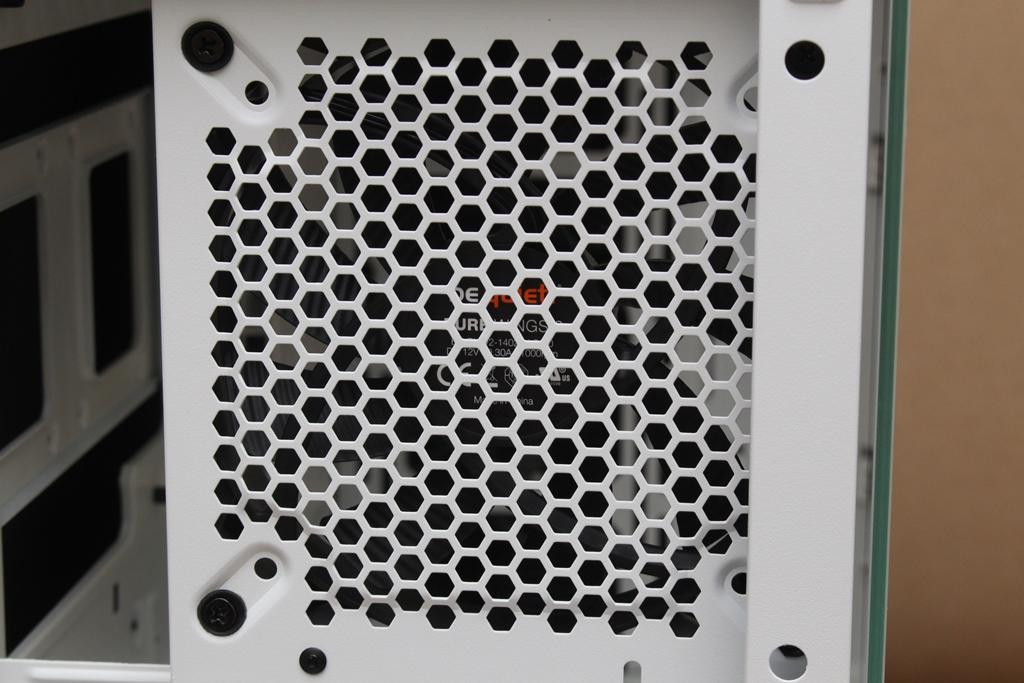 be quiet! SILENT BASE 802鋼化玻璃透側機殼-擴充能力一流,靜...182