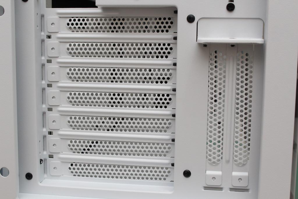 be quiet! SILENT BASE 802鋼化玻璃透側機殼-擴充能力一流,靜...8214
