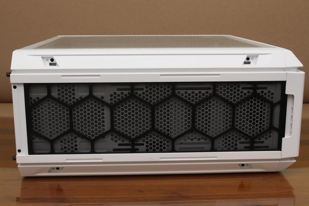 be quiet! SILENT BASE 802鋼化玻璃透側機殼-擴充能力一流,靜...2596