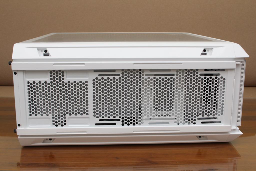 be quiet! SILENT BASE 802鋼化玻璃透側機殼-擴充能力一流,靜...4900