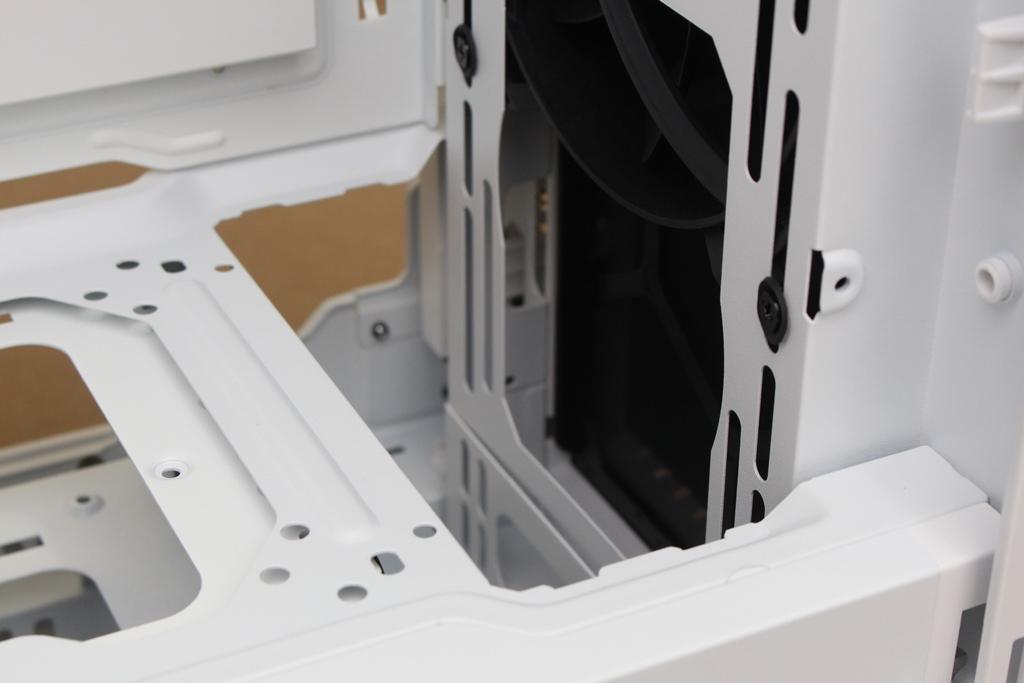 be quiet! SILENT BASE 802鋼化玻璃透側機殼-擴充能力一流,靜...6918