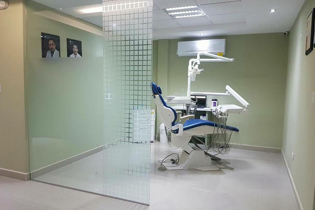 dentist chair 2- naco dentist - 3d dental center