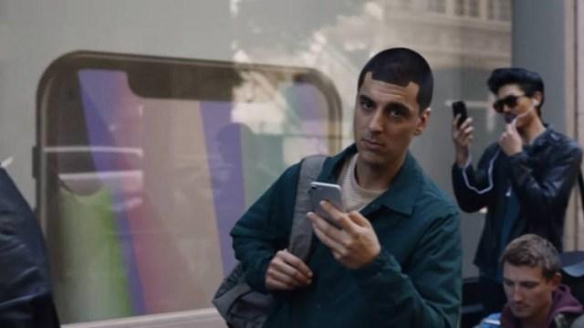 sm.GoLcDRC.750 Samsung снова троллит владельцев iPhone в последнем видеоролике