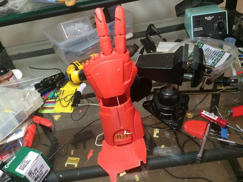 Assembling the Iron Man hand