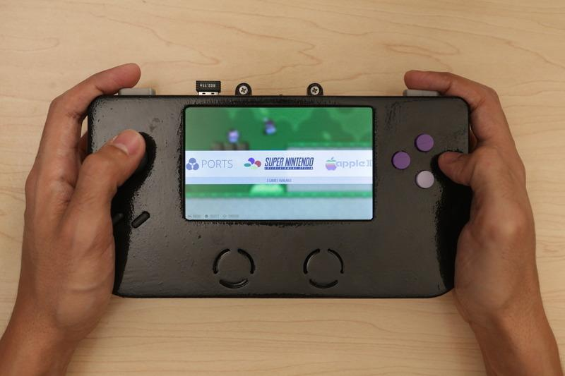 gaming_hero-hands1