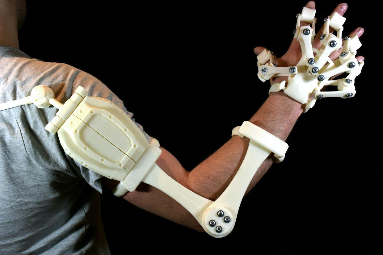 Alex Czech S 3d Printable Exoskeleton Hands Are Now