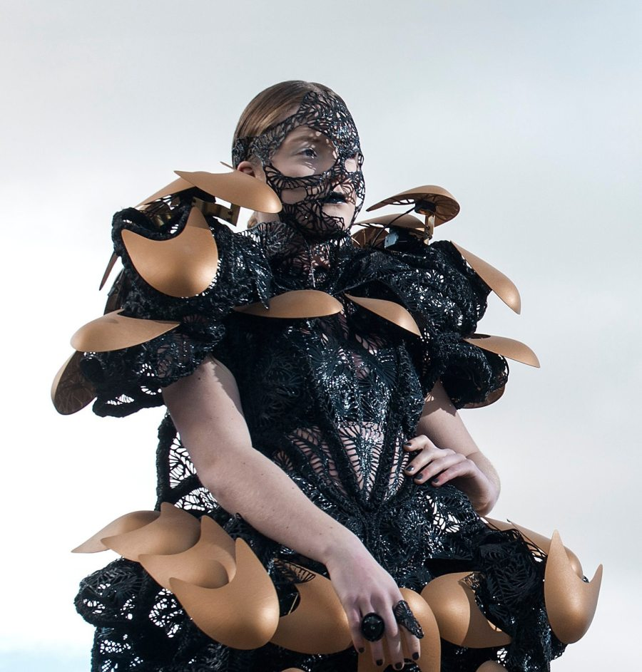 Braindrain, an inspired haute couture creation with the help of 3D printing.